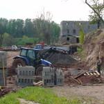 Práce před stájí 2010